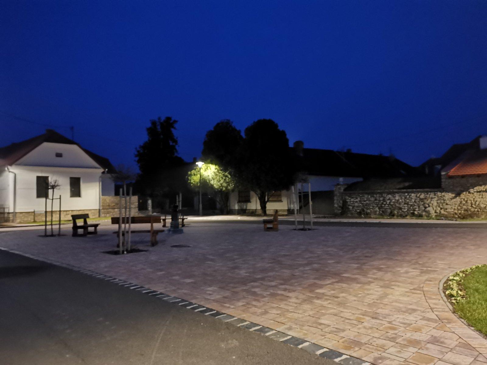 Balatonakali főtér